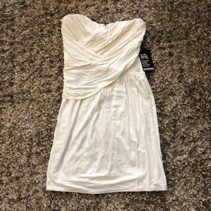 Express dress with detachable straps